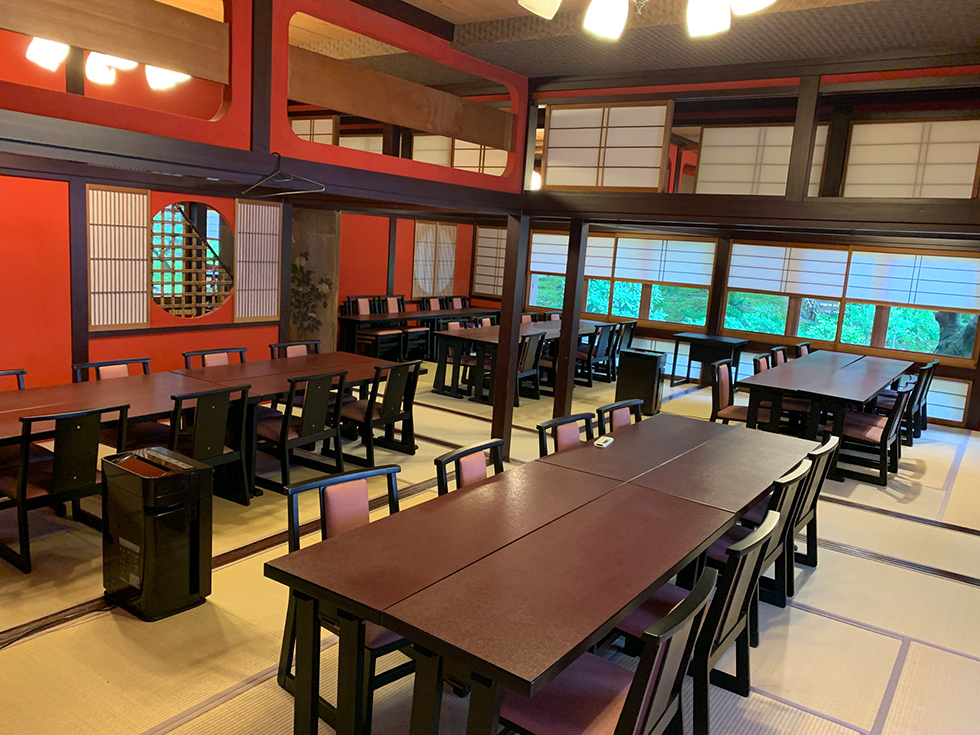 三芳庵の二階